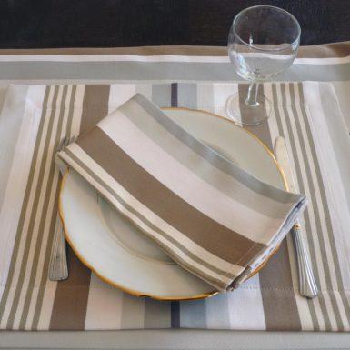 set de table rectangulaire tissu marron beige