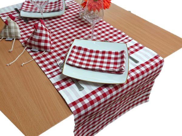 chemin-table-rouge-guinguette