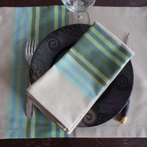set-de-table-tissu-vert-authentique