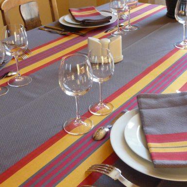 Nappe de table rouge et jaune PUIVERT