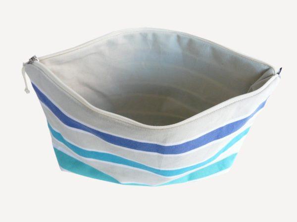 Chic trousse de toilette bleu TISSAGES CATHARES