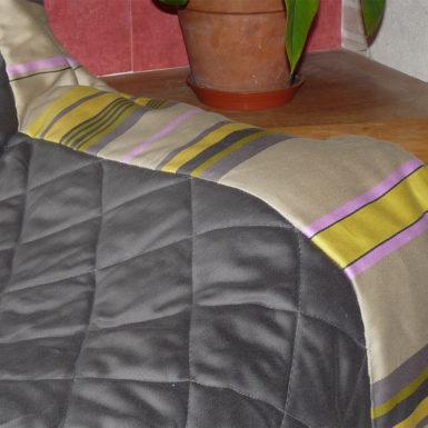 Plaid pour canapé beige et or MIREPOIX