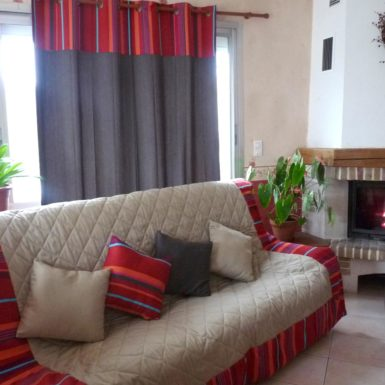 Plaid pour canapé tissu rauyre rouge MIREPOIX