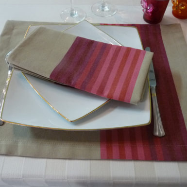 Serviette de table rouge AUTHENTIQUE