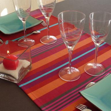 Chemin de table en coton rouge MIREPOIX