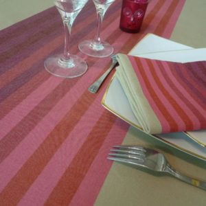 Nappe de table rouge AUTHENTIQUE