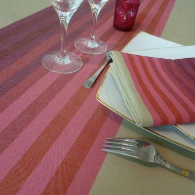 Nappe de table rouge AUTHENTIQUE
