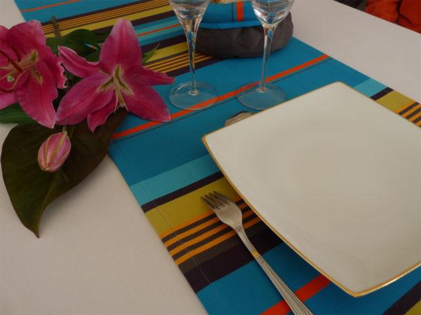 Chemin de table en coton bleu lagon MIREPOIX