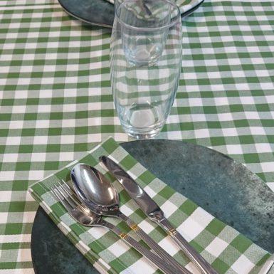 nappe-carreaux-vert-blanc-guinguette